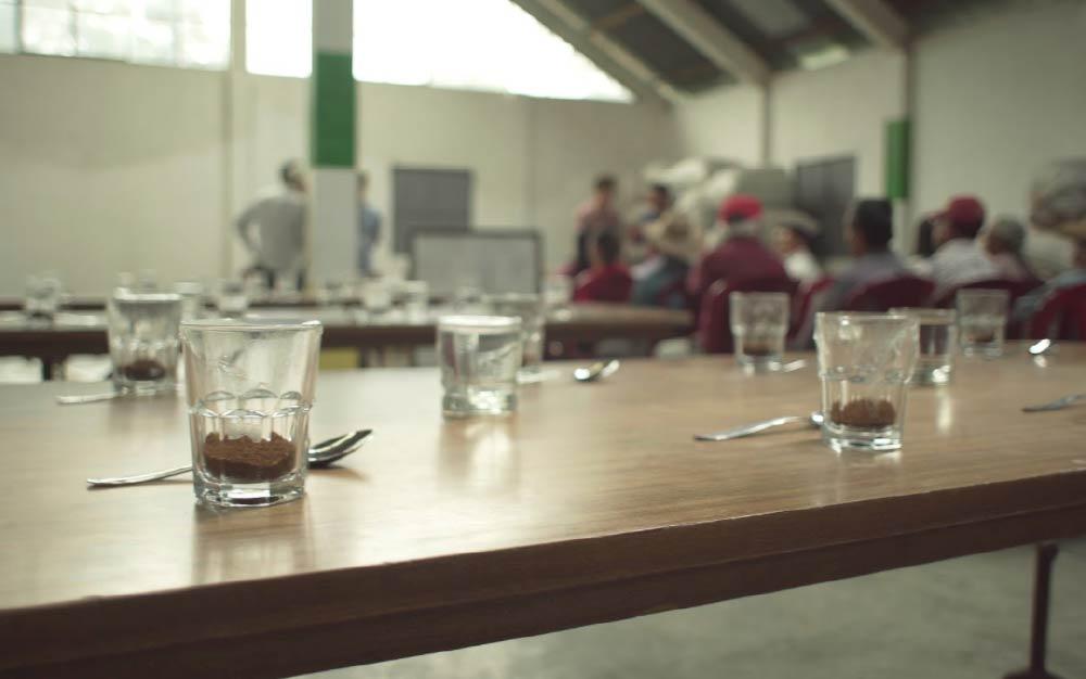 کاپینگ معتبر قهوه در دوران COVID-19